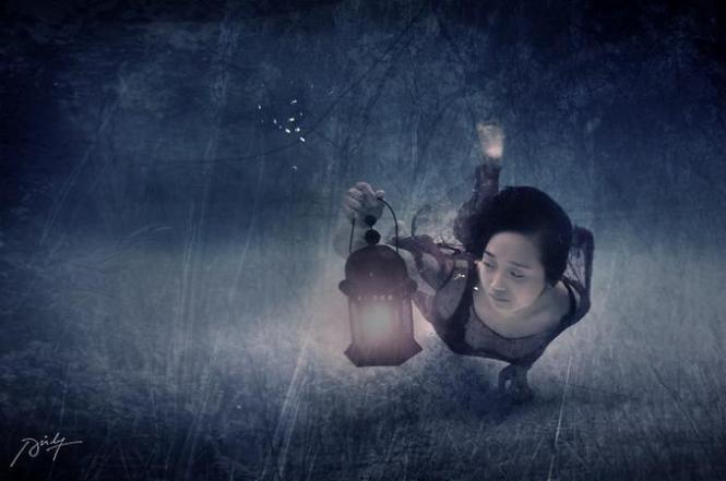 mulher no fundo do rio