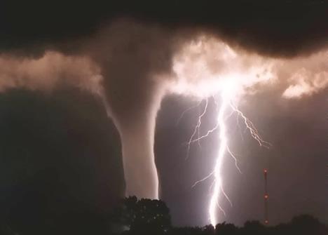 lighting-and-tornado-storm
