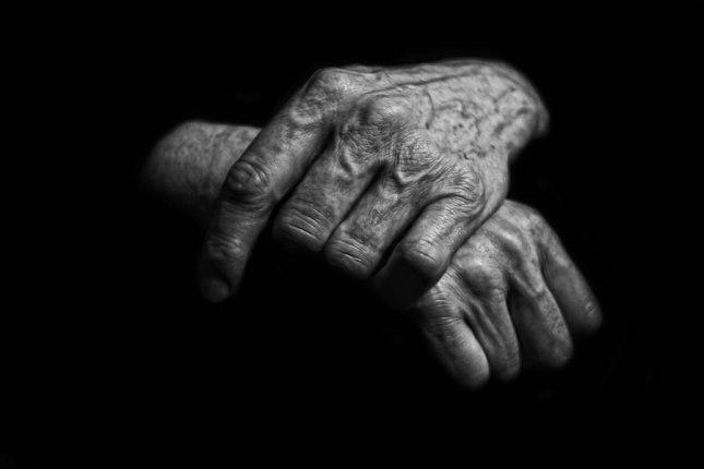 old hands2