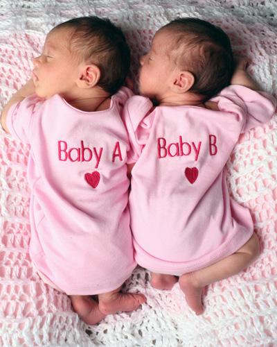 TWIN_BABIES