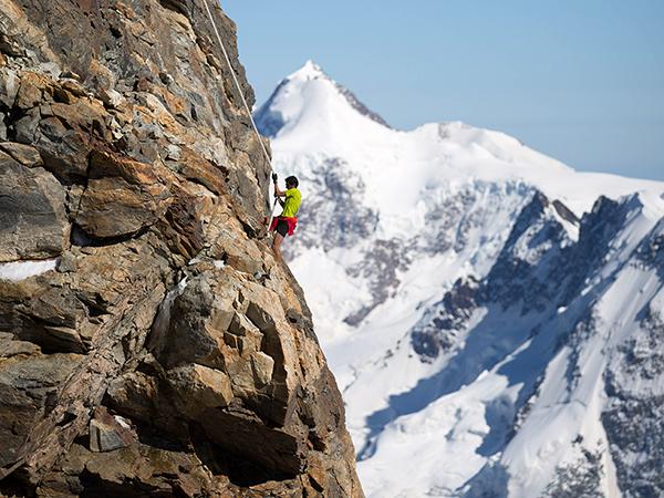 Kilian Jornet climbing the Matterhorn in climbing time record.