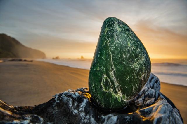 03-pounamu-jade-greenstone-670