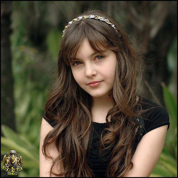 beauty-of-a-girl-looks-so-innocent