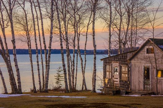 cottage-on-lake